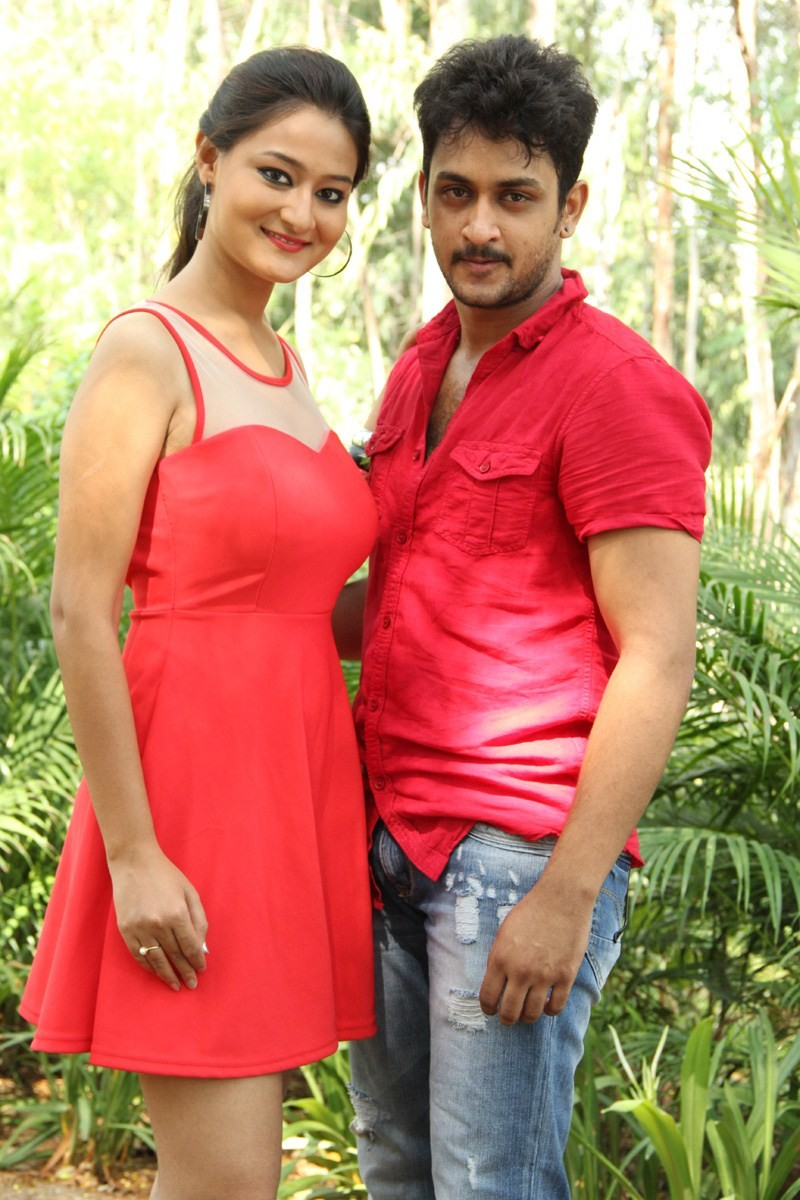 Adaragottu Movie Launch,Adaragottu Movie pooja,Manoj Nandam,Neloufer,Manoj Nandam and Neloufer,Adaragottu,telugu movie Adaragottu,Adaragottu Movie Launch pics,Adaragottu Movie Launch images,Adaragottu Movie Launch photos,Adaragottu Movie Launch stills