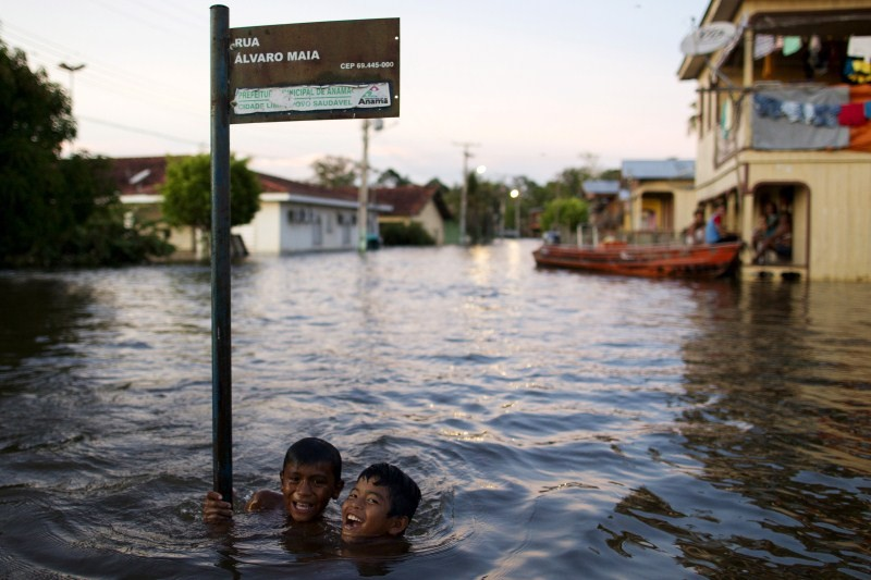 Amazon River Overflows in Brazil,Amazon River Overflows,Amazon River in Brazil,heavy rain,heavy rain in Brazil,street flooded,Anama,Amazonas state,Brazil