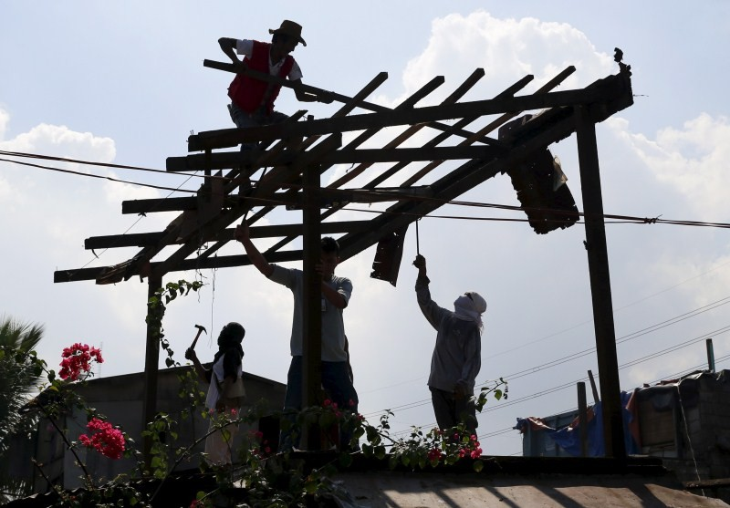 Navotas,Metro Manila in the Philippines,dismantle homes,Philippines Government,squatters colony,North Bay Boulevard