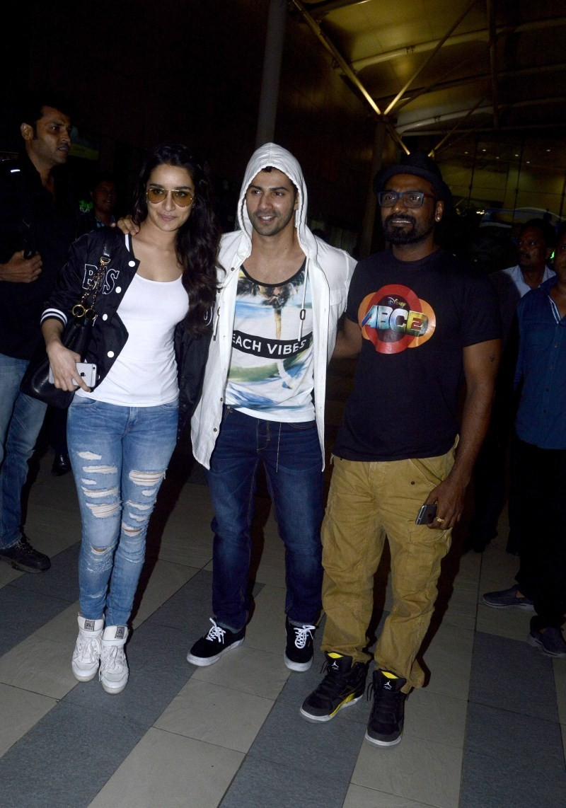 Varun Dhawan,Shraddha Kapoor,Varun Dhawan and Shraddha Kapoor promote ABCD 2 at Indore,ABCD 2 movie promotion,ABCD 2 movie promotion at Indore