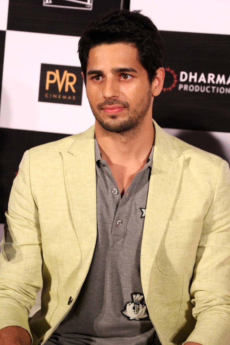Sidharth Malhotra,actor Sidharth Malhotra,Brothers Trailer Launch,Sidharth Malhotra at Brothers Trailer Launch,Brothers Trailer Launch pics,Brothers Trailer Launch images,Brothers Trailer Launch photos,Brothers Trailer Launch stills,Sidharth Malhotra pics