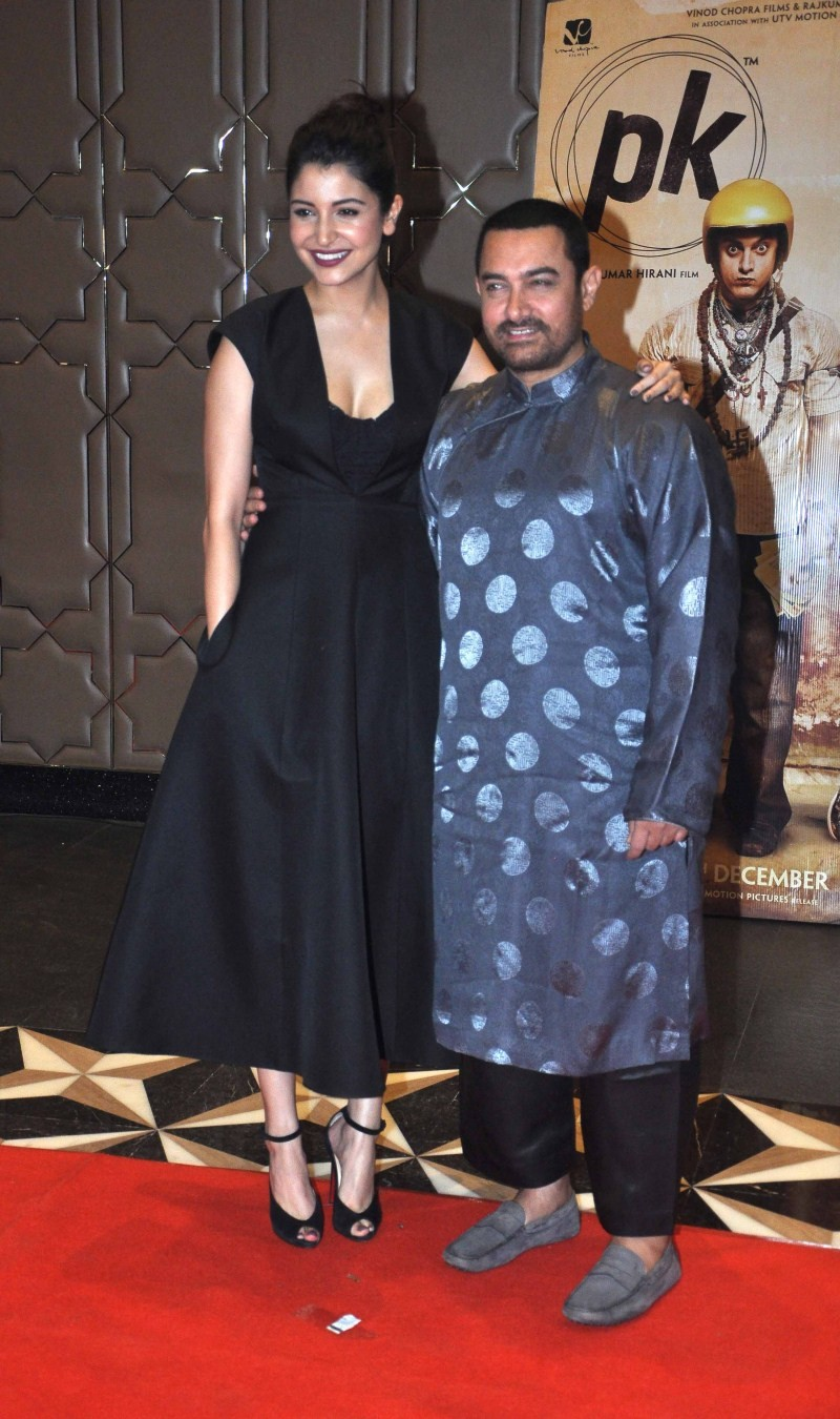 PK Success Party,Amir Khan,Amitabh Bachchan,Anushka Sharma,Ranveer Singh,Deepika Padukone,PK Success party pics,PK Success party images,PK Success party photos,PK Success party stills,PK Success party pictures