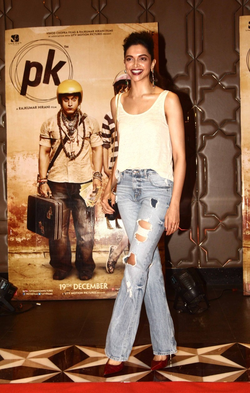 Deepika Padukone,Deepika Padukone at PK Success Party,actress Deepika Padukone,PK Success Party,PK Success Party pics,PK Success Party images,PK Success Party photos,PK Success Party stills,Deepika Padukone pics,Deepika Padukone images,Deepika Padukone st