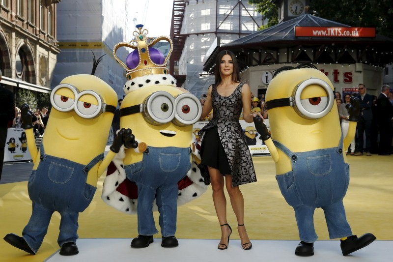 Minions Premiere Show,Minions World Premiere Show,Lorraine Kelly,Minions,Sandra Bullock,Andrea McLean