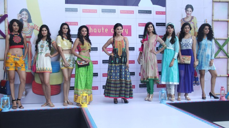 Shruti Hassan,Brand Haute Curry,Shruti Hassan showcases the latest collection of Brand Haute Curry,Shruti Hassan launched Haute Curry at Shopper stop,Shruti Hassan joins fashion show,Shruti Hassan fashion show,fashion show,Shruti Hassan pics,Shruti Hassan