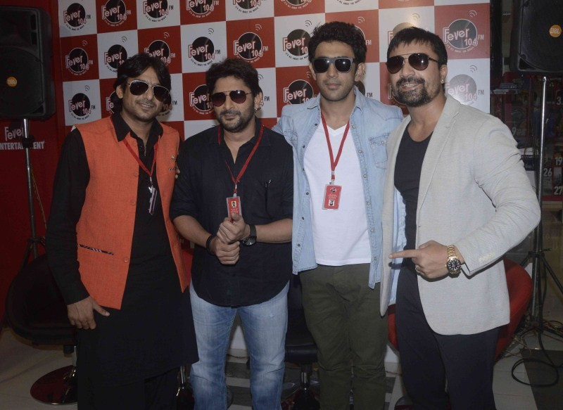 Guddu Rangeela,Guddu Rangeela Movie Promotion at Fever 104 FM,Fever 104 FM,Guddu Rangeela Movie Promotion,Guddu Rangeela Movie Promotion pics,Guddu Rangeela Movie Promotion images,Guddu Rangeela Movie Promotion stills,Guddu Rangeela Movie Promotion photos