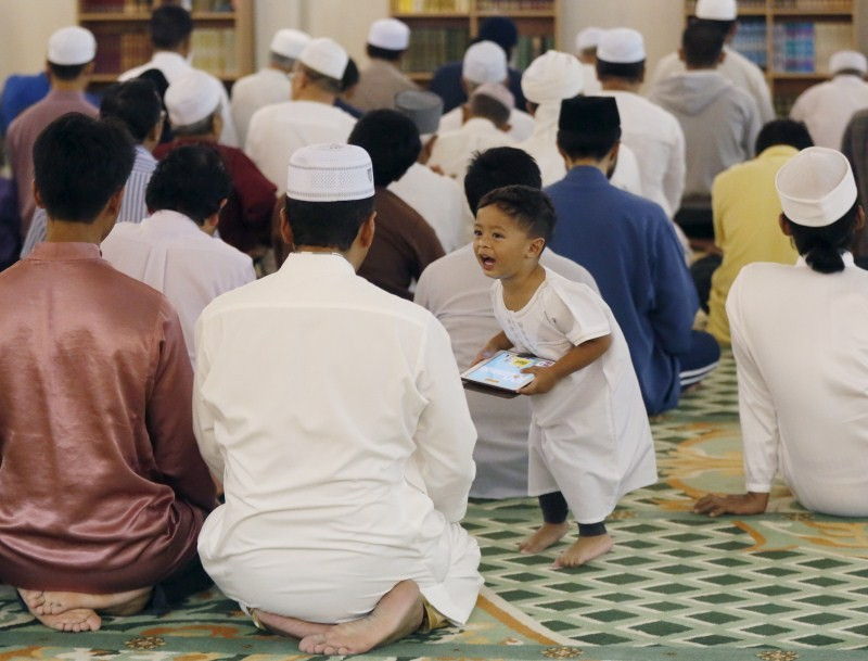 Ramadan,Ramadan 2015,Ramzan fasting,Ramzan,Ramzan 2015,Ramadan fasting,Islamic lunar calendar,Islamic calendar,Ramadan begins,ramadan dates,history of ramadan,ramadan pictures,ramadan greetings,ramadan quotes,ramadan facts