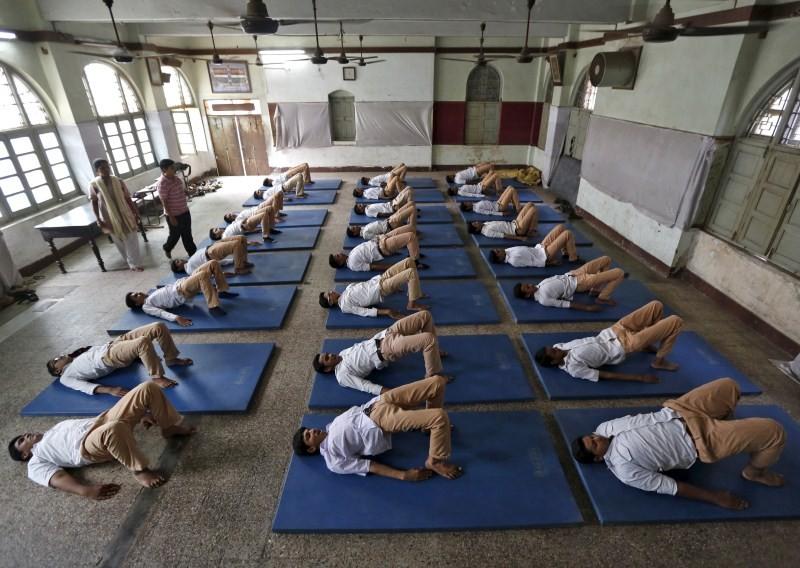 Yoga Day,International Yoga Day,International Yoga Day 2015,Yoga Day 2015,2015 Yoga Day,Students practice yoga