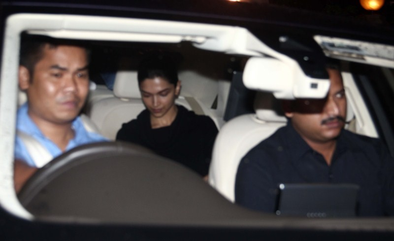 Deepika Padukone,actress Deepika Padukone,Deepika Padukone Snapped at Taj Lands End at Bandra in Mumbai,Deepika Padukone Snapped at Taj Lands End,Deepika Padukone pics,Deepika Padukone images,Deepika Padukone photos,Deepika Padukone stills,Deepika Padukon