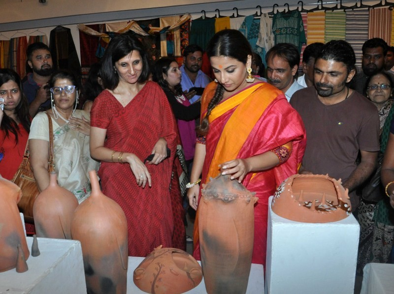 Vidya Balan,actress Vidya Balan,Vidya Balan inaugurates Craft Exhibition of MP,Craft Exhibition of MP,Vidya Balan pics,Vidya Balan images,Vidya Balan photos,Vidya Balan in Saree,Vidya Balan pictures