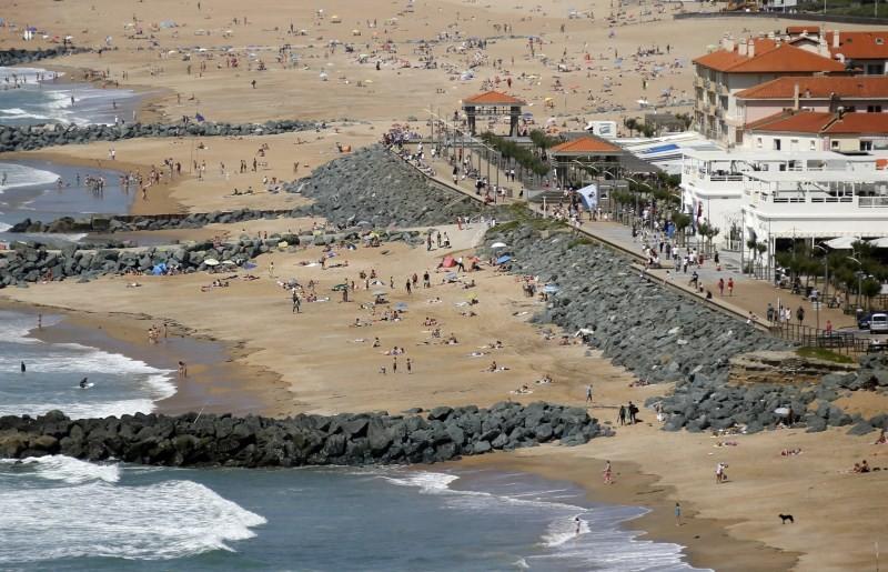 France's Vanishing Beaches,Vanishing Beaches,France Beaches,Vanishing beach,Battle of the beaches,vanishing coastline,huge waves