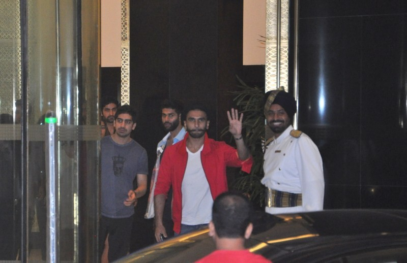 Arjun Kapoor's Birthday Party,Arjun Kapoor Birthday Party,Arjun Kapoor Birthday Party pics,Arjun Kapoor Birthday Party images,celebs at Arjun Kapoor Birthday Party,Arjun Kapoor,actor Arjun Kapoor