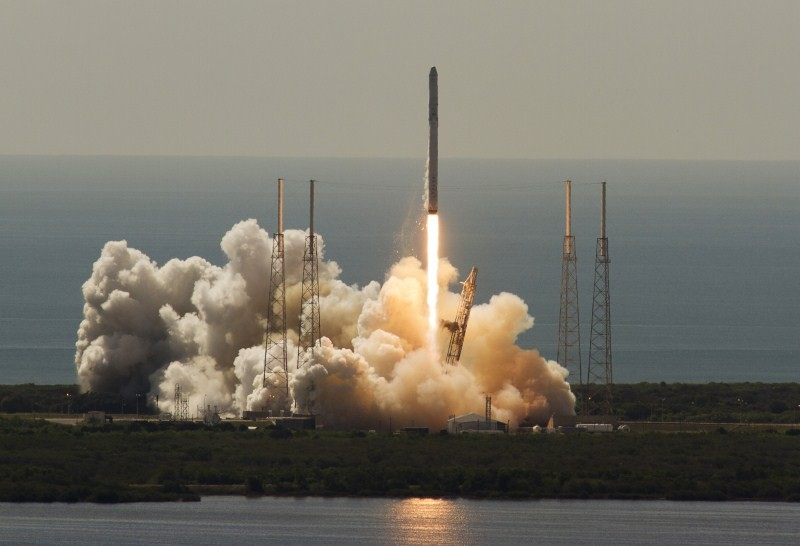 SpaceX's Falcon 9,SpaceX's Falcon 9 rocket,SpaceX's Falcon 9 rocket breaks up shortly after launch,spacex falcon 9 rocket explodes,spacex falcon 9 rocket,spacex falcon 9,SpaceX Falcon 9 launch
