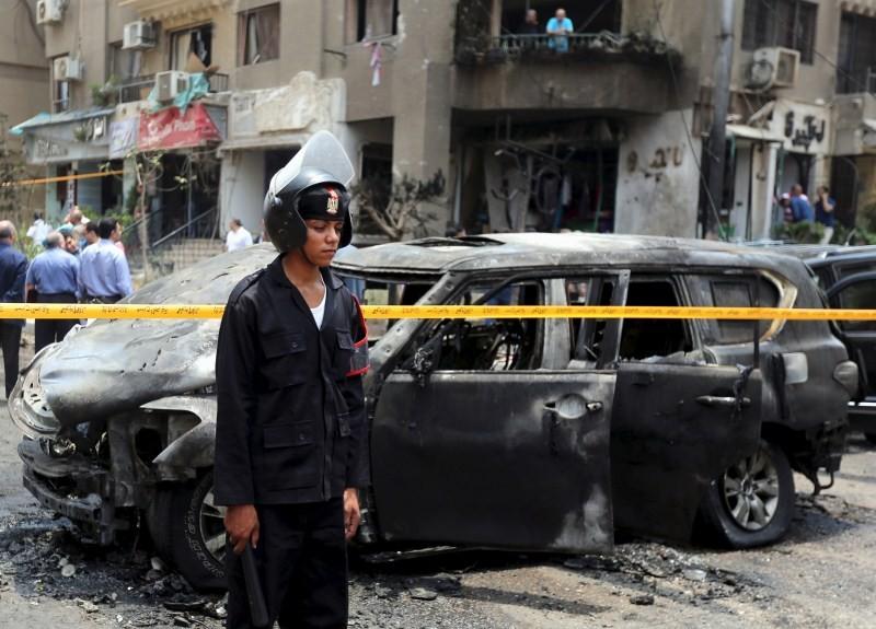 Egypt's top prosecutor killed in explosion,Egypt's top prosecutor,Hisham Barakat,Assassination of Anwar Sadat,Assassination in Egypt,Cairo bomb attack,bomb attack,egypt president assassination,egypt assassination attempt,egypt assassination sadat,egyptian