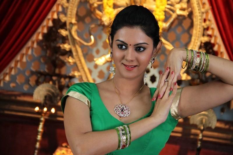 Chandrika,telugu movie Chandrika,Arjun,Kamna Jethmalani,Srimukhi,Chandrika Movie Stills,Chandrika Movie pics,Chandrika Movie images,Chandrika Movie photos,Chandrika Movie pictures