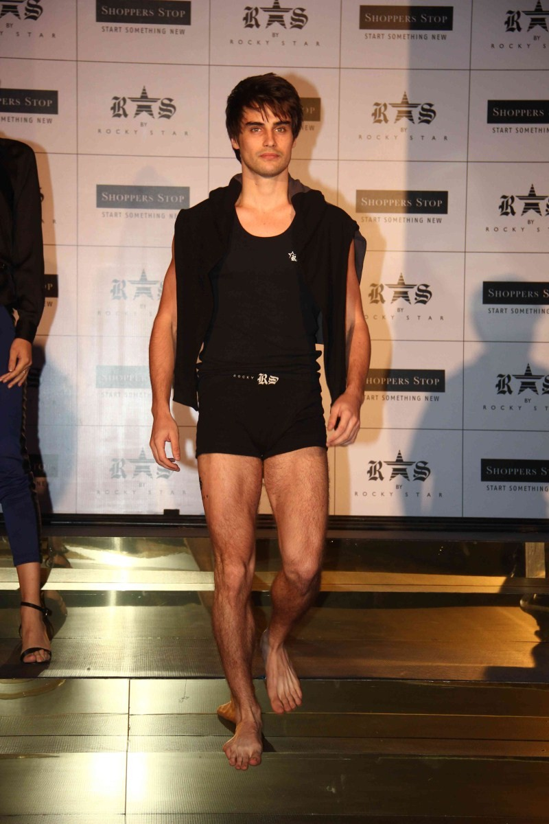 Bipasha Basu and Karan Singh Grover,Bipasha Basu and Karan Singh Grover launch Rocky S' New Collection,Bipasha Basu launch Rocky S' New Collection,Karan Singh Grover launch Rocky S' New Collection,Bipasha Basu,Karan Singh Grover,love birds Bipasha Basu an
