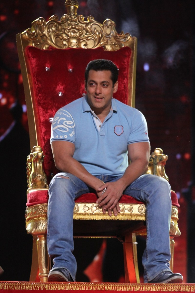 Salman Khan,Salman Khan on Zee Tv's Dance India Dance Season 5,Dance India Dance Season 5,Dance India Dance,actor Salman Khan,Salman Khan  pics,Salman Khan images,Salman Khan photos,Salman Khan stills,Salman Khan pictures,Bajrangi Bhaijaan
