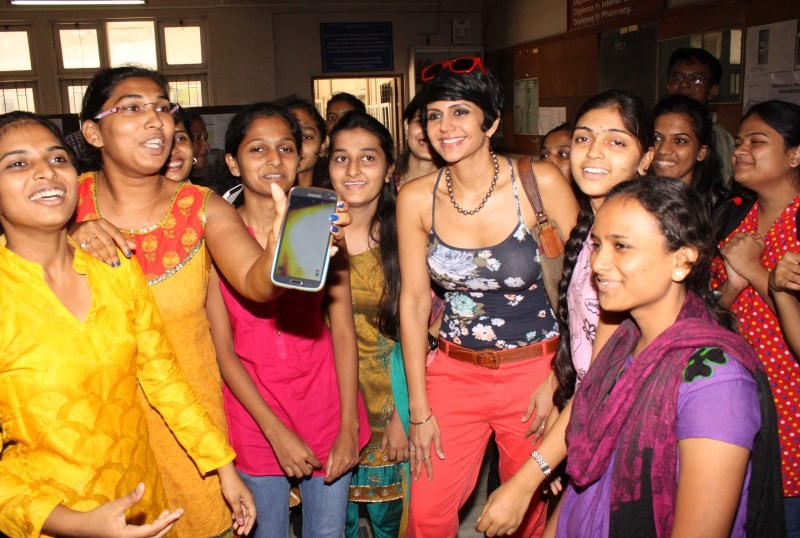 Mandira Bedi,Mandira Bedi flags off Women Safety Rally,Women Safety Rally,Mandira Bedi pics,Mandira Bedi images,Mandira Bedi photos,Mandira Bedi stills,Mandira Bedi pictures,Mandira Bedi latest pics