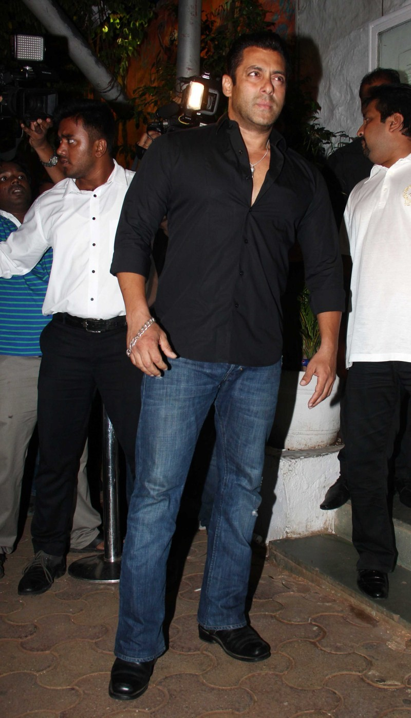 Salman Khan,actor Salman Khan,Salman Khan at ABCD 2 Success Party,ABCD 2 Success Party,ABCD 2 Success bash,Salman Khan latest pics,Salman Khan latest images,Salman Khan latest photos,Salman Khan latest stills,Salman Khan latest pictures