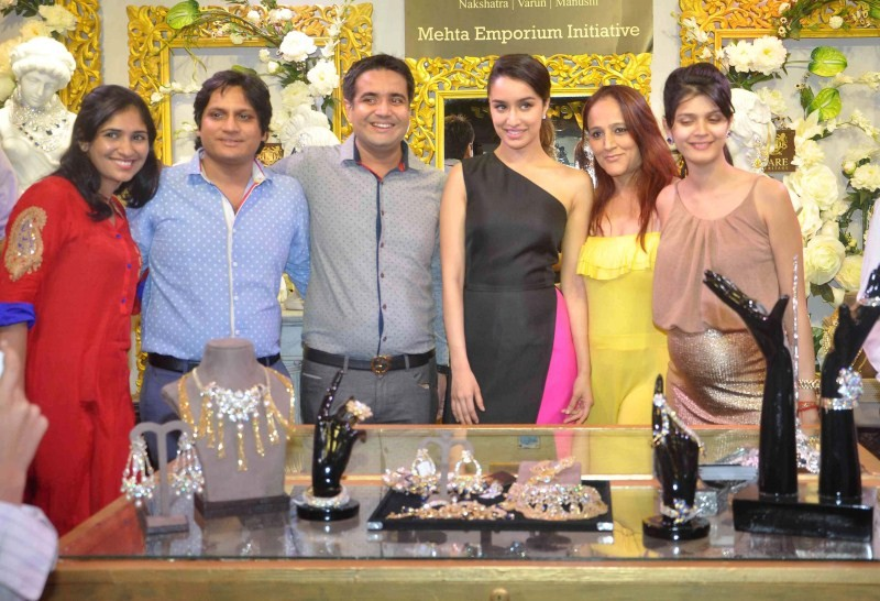 Shraddha Kapoor,actress Shraddha Kapoor,Shraddha Kapoor at 14th Glamour 2015 Jewellery Exhibition Inauguration,14th Glamour 2015 Jewellery Exhibition Inauguration,Glamour 2015 Jewellery Exhibition,Shraddha Kapoor latest pics,Shraddha Kapoor latest images