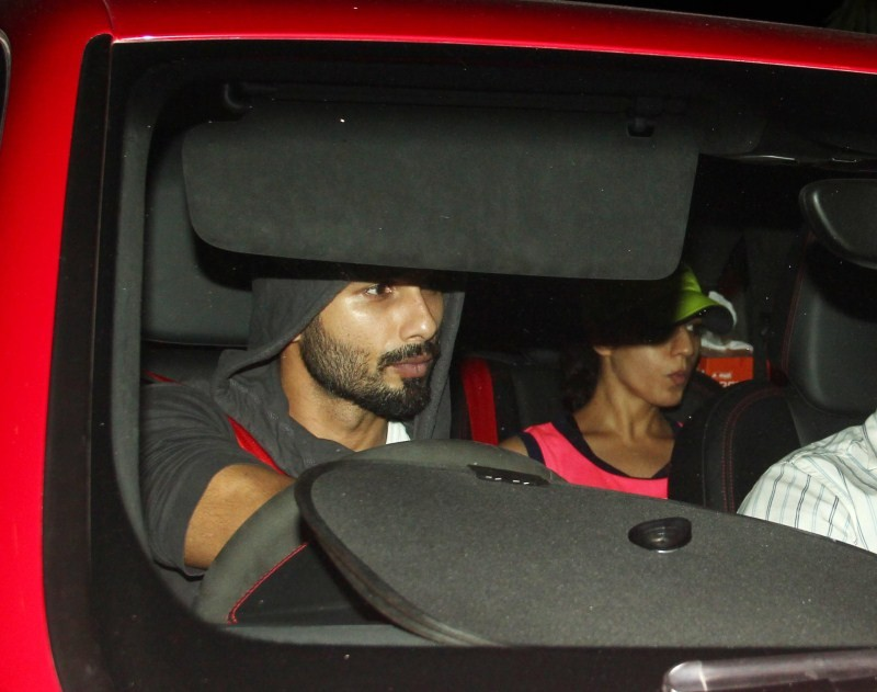 Shahid Kapoor,Shahid Kapoor and Mira Rajput,Mira Rajput,Shahid Kapoor and Mira Rajput snapped Coming out of a Gym,Shahid Kapoor snapped Coming out of a Gym,Shahid Kapoor and Mira Rajput latest pics,Shahid Kapoor and Mira Rajput latest images,Shahid Kapoor