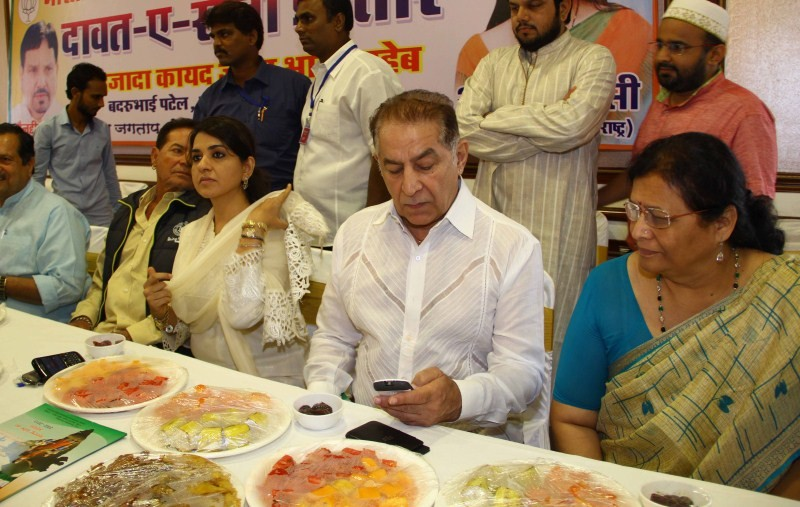 BJP leader Shaina NC Iftar Party,celebs at BJP leader Shaina NC Iftar Party,Shaina NC Iftar Party,Iftar Party,Iftar Party pics,Iftar Party images,Iftar Party photos,Iftar Party stills,Salim Khan at BJP leader Shaina NC Iftar party,Subhash Ghai at BJP lead