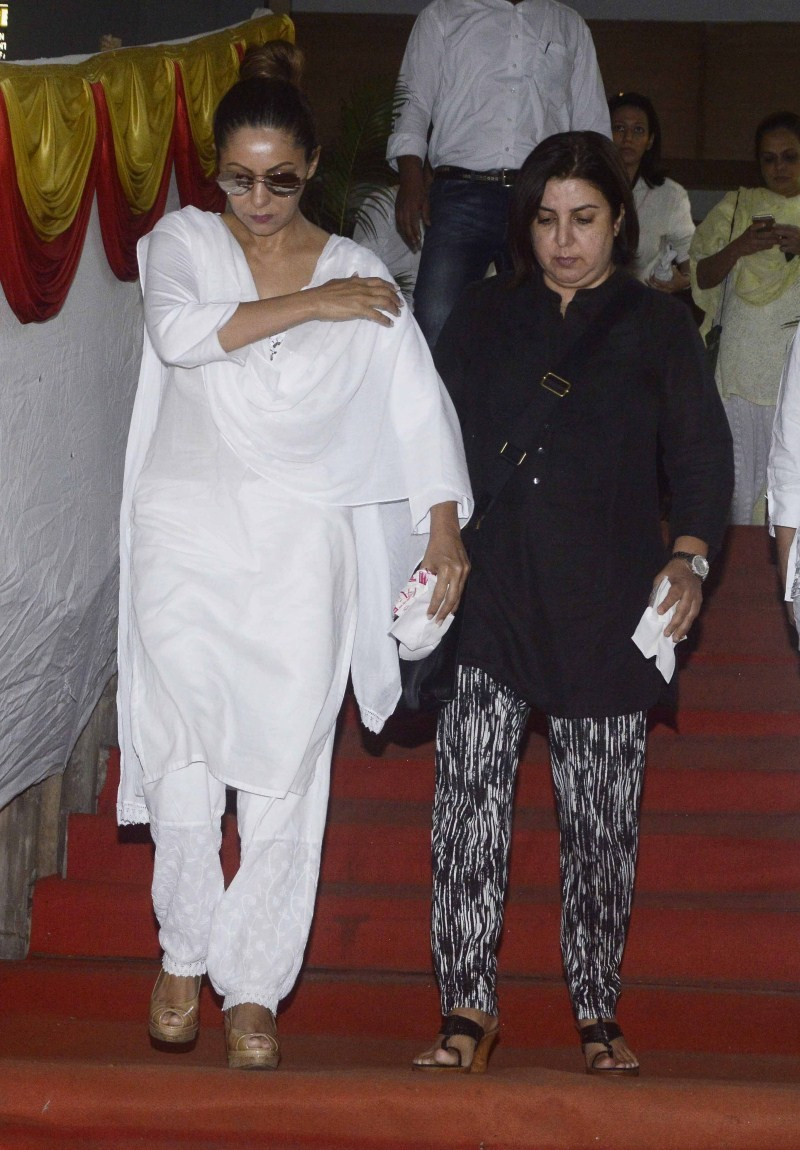 Gauri Khan,Gauri Khan at Subhash Dada's Prayer Meet,Subhash Dada's Prayer Meet,Subhash Dada's Prayer Meet pics,Subhash Dada's Prayer Meet images,Subhash Dada's Prayer Meet photos,Subhash Dada's Prayer Meet pictures,Subhash Dada's Prayer Meet stills,Gauri