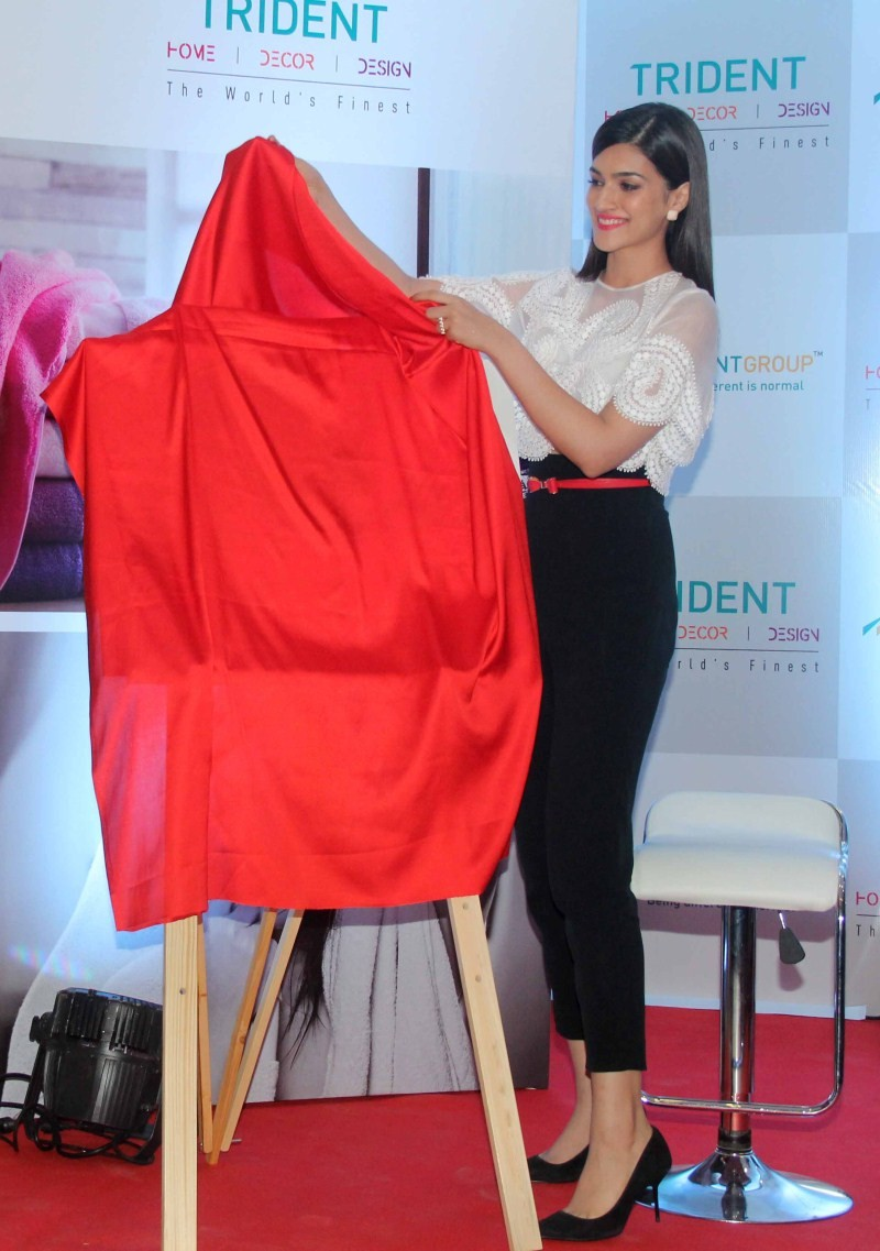 Kriti Sanon,actress Kriti Sanon,Kriti Sanon Launches Trident Bath and Home Linen Collection,Kriti Sanon latest pics,Kriti Sanon latest images,Kriti Sanon latest photos,Kriti Sanon latest stills,Kriti Sanon latest pictures