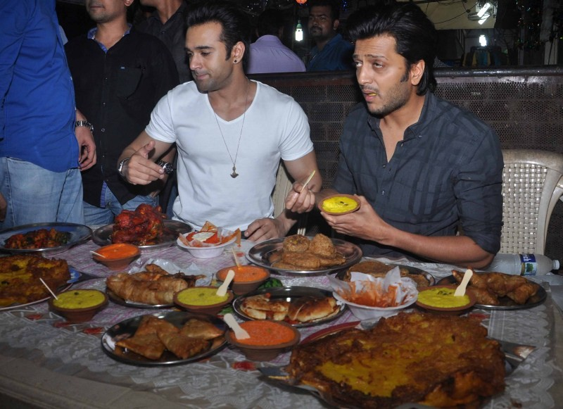 EID celebrations,Riteish Deshmukh,Pulkit Samrat,Bangistan Movie Promotion,Riteish Deshmukh and Pulkit Samrat,EID celebrations in Mumbai,Bangistan