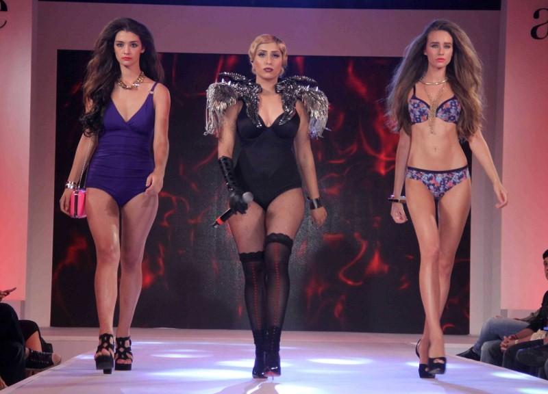 Madhur Bhandarkar,Madhur Bhandarkar unveils his Calendar Girls at a fashion show,Calendar Girls,Calendar Girls movie promotion,bollywood movie Calendar Girls,fashion show,fashion show event,fashion show 2015