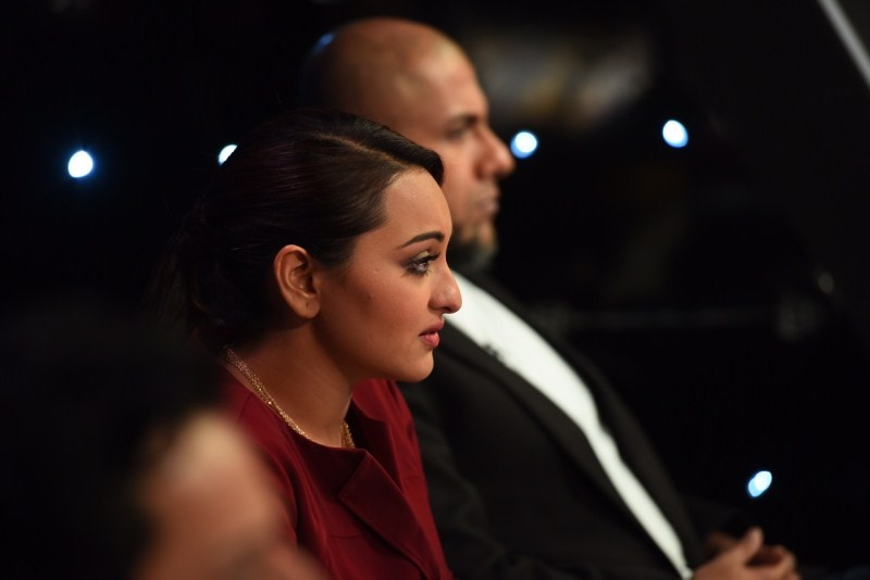 Sonakshi Sinha gets emotional on the sets of Indian Idol Junior,Sonakshi Sinha gets emotional,Indian Idol Junior,Sonakshi Sinha,actress Sonakshi Sinha,Sonakshi Sinha latest pics,Sonakshi Sinha latest images,Sonakshi Sinha latest photos,Sonakshi Sinha late