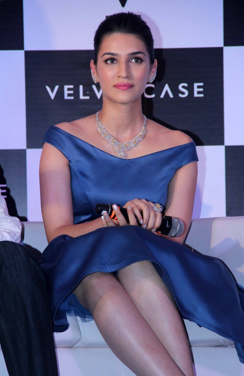 Kriti Sanon,actress Kriti Sanon,Kriti Sanon Latest Pics,Kriti Sanon Latest images,Kriti Sanon Latest photos,Kriti Sanon Latest stills,Kriti Sanon Latest pictures