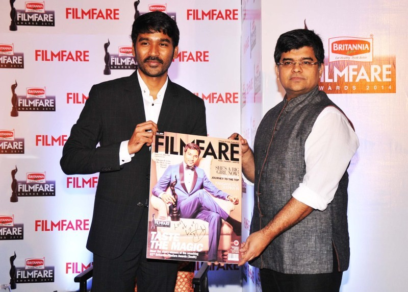 Dhanush,Dhanush on the cover of special edition of Filmfare South,Dhanush and Jitesh Pillaai,Jitesh Pillaai,Filmfare South,Dhanush unveils the Filmfare cover,Dhanush on Filmfare cover,Filmfare cover page,Dhanush latest pics,Dhanush latest images,Dhanush l