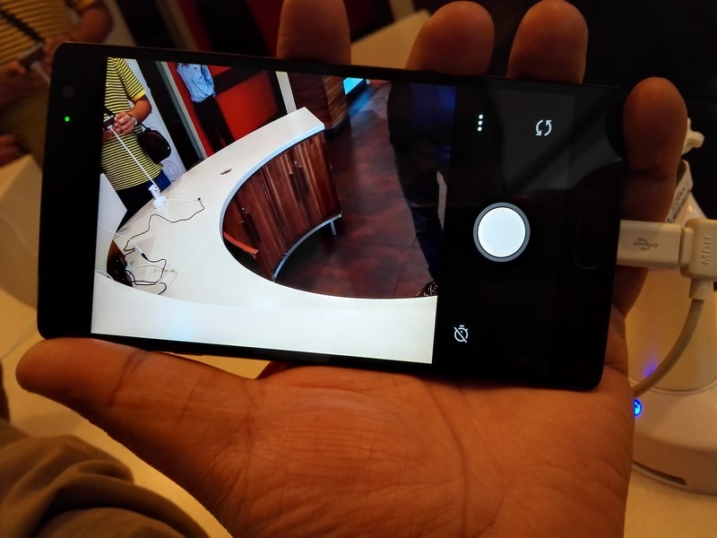 OnePlus News,OnePlus 2,OnePlus 2 First Look,oneplus 2 fingerprint scanner,OnePlus 2 Camera,OnePlus 2 Back Covers