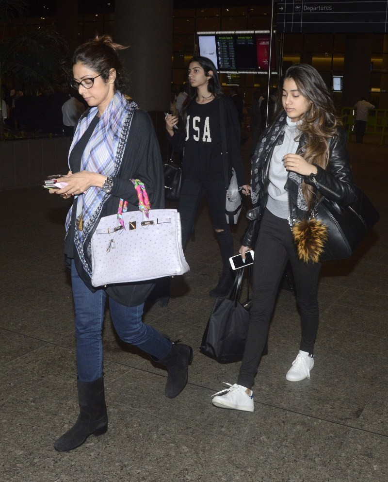 Sridevi and Boney Kapoor with their daughters spotted at the Mumbai International Airport,Sridevi spotted at Mumbai International Airport,Boney Kapoor spotted at Mumbai International Airport,Sridevi and Boney Kapoor,Sridevi,Sridevi Kapoor,Boney Kapoor,Sri