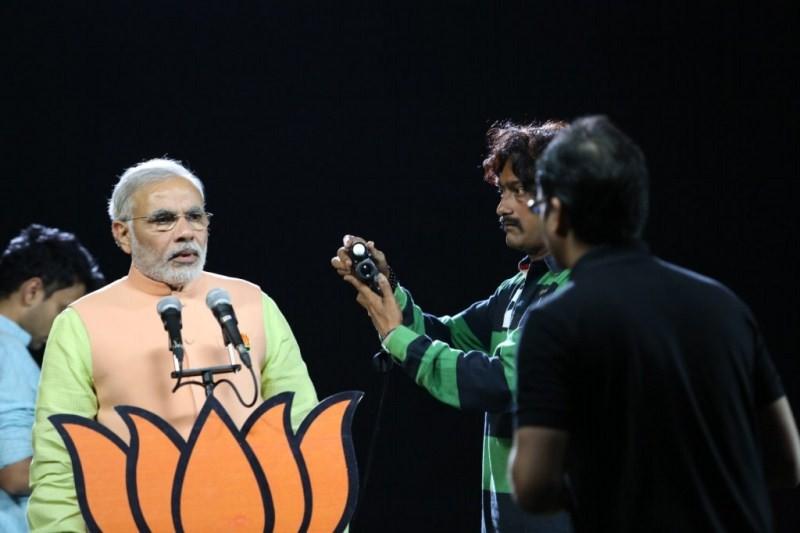 Cinematographer UK Senthil Kumar and Narendra Modi Photoshoot,Cinematographer UK Senthil Kumar,Narendra Modi Photoshoot,Narendra Modi,pm Narendra Modi,Modi,Narendra Modi  Photoshoot
