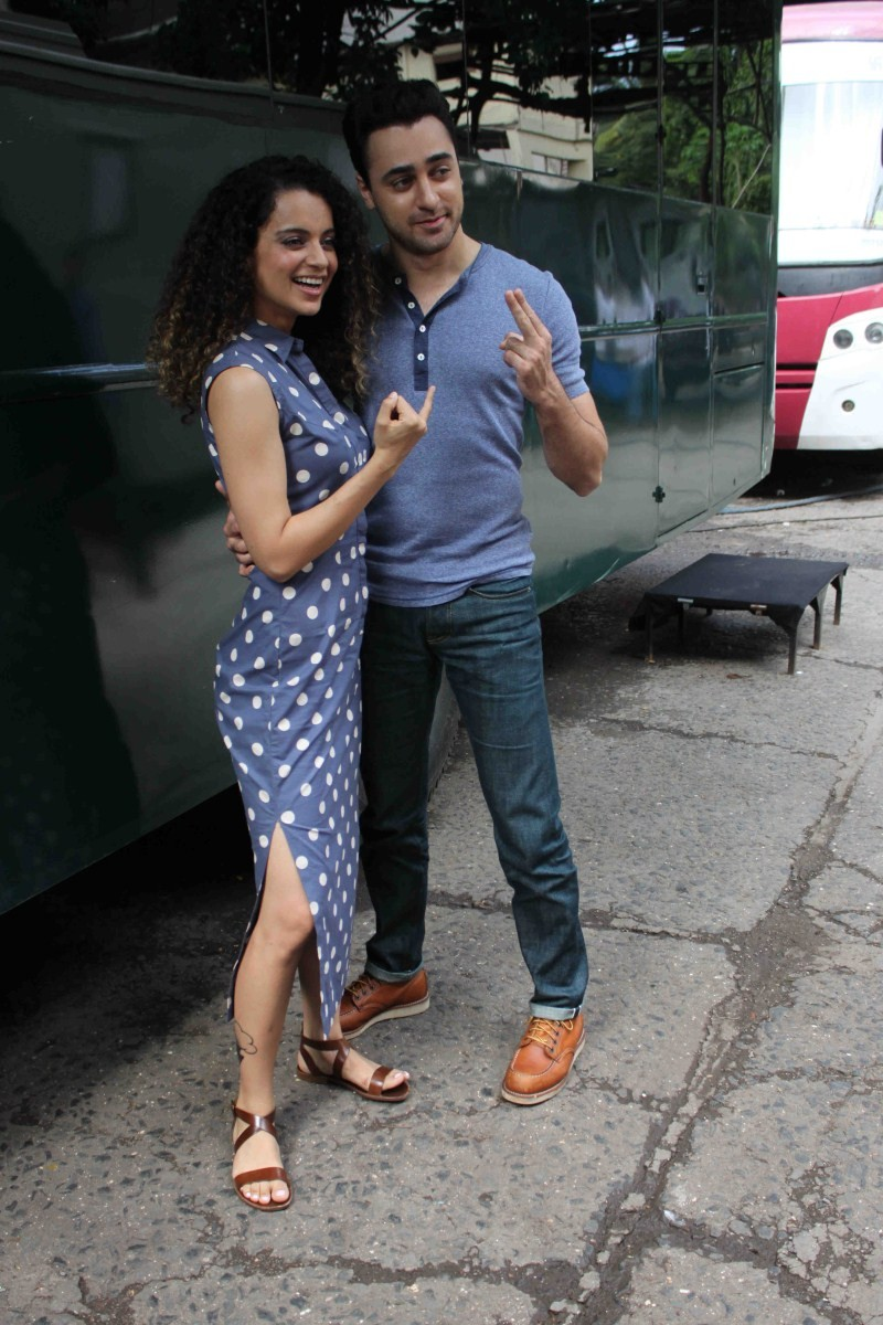 Kangana Ranaut,Imran Khan,Kangana Ranaut and Imran Khan promote Katti Batti Movie,Katti Batti Movie Promotion,Katti Batti,actress Kangana Ranaut,Kangana Ranaut latest pics,Kangana Ranaut latest images,Kangana Ranaut latest photos,Kangana Ranaut latest sti