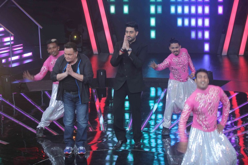 Abhishek Bachchan,Sonakshi Sinha,Rishi Kapoor,Indian Idol Junior,All Is Well,All Is Well  movie promotion,Indian Idol Junior on the sets