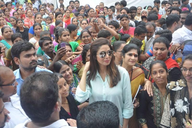 Sridevi,Sridevi inaugurates Sulabh Public Toilet,Sulabh Public Toilet,Sulabh Public Toilet in Mumbai,sridevi kapoor,actress Sridevi,Sridevi latest pics,Sridevi latest images,Sridevi latest photos,Sridevi latest stills,Sridevi latest pictures