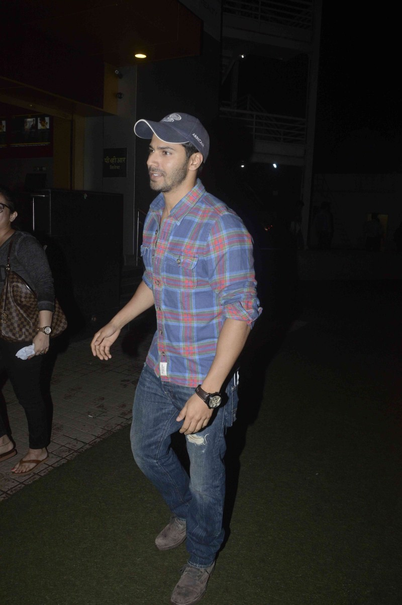 Varun Dhawan,actor Varun Dhawan,Varun Dhawan Spotted at Juhu PVR,Varun Dhawan at Juhu PVR,Varun Dhawan at Juhu,Varun Dhawan latest pics,Varun Dhawan latest images,Varun Dhawan latest photos,Varun Dhawan latest stills,Varun Dhawan latest pictures