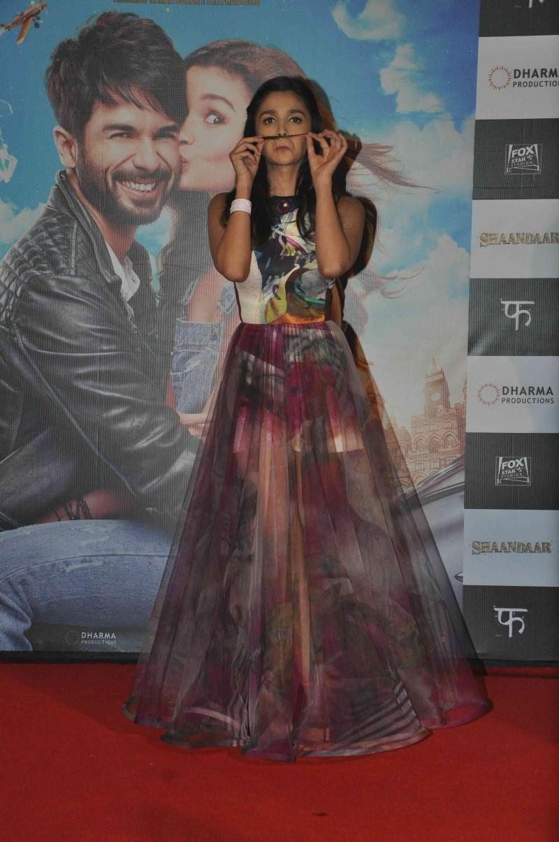 Alia Bhatt,actress Alia Bhatt,Alia Bhatt Latest pics,Alia Bhatt Latest Pictures,Alia Bhatt Latest images,Alia Bhatt Latest photos,Alia Bhatt Latest stills,Alia Bhatt at Shaandaar trailer launch,Shaandaar trailer,Shaandaar trailer launch