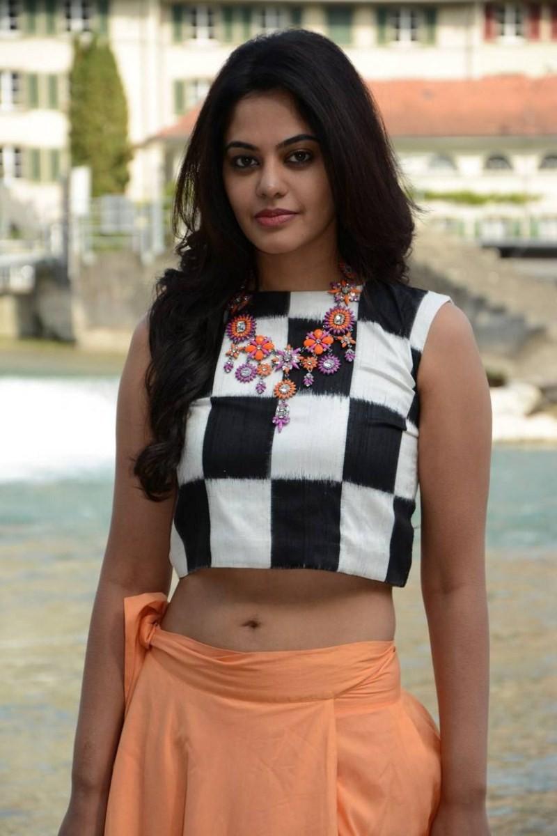 Bindu Madhavi,actress Bindu Madhavi,Bindu Madhavi stills from Savaale Samaali,Savaale Samaali,Savaale Samaali movie stills,Bindu Madhavi latest pics,Bindu Madhavi latest images,Bindu Madhavi latest photos,Bindu Madhavi latest stills,Bindu Madhavi latest p