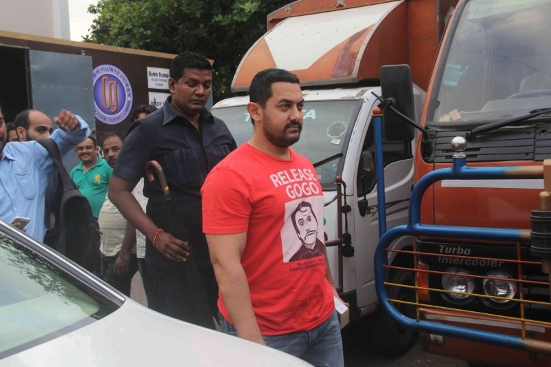 Aamir Khan,actor Aamir Khan,Aamir Khan Spotted at Mehboob Studio,Mehboob Studio,bollywood actor Aamir Khan,Aamir Khan latest pics,Aamir Khan latest images,Aamir Khan latest photos,Aamir Khan latest stills,Aamir Khan latest pictures