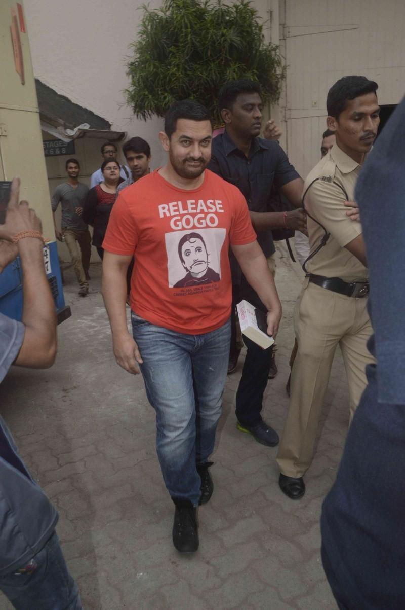 Aamir Khan,actor Aamir Khan,Aamir Khan Spotted at Mehboob Studio,Mehboob Studio,bollywood actor Aamir Khan,Aamir Khan latest pics,Aamir Khan latest images,Aamir Khan latest photos,Aamir Khan latest stills,Aamir Khan latest pictures