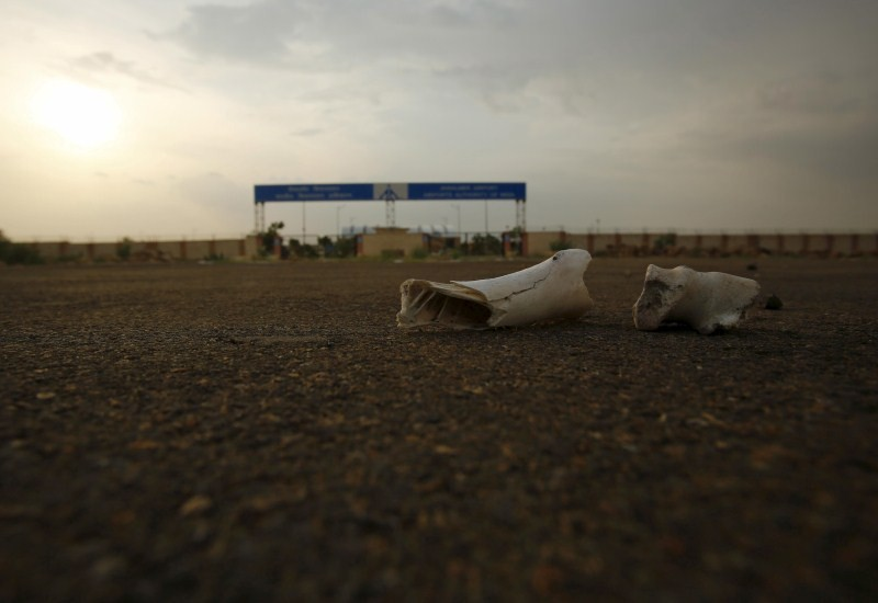 India's Abandoned Airport,Abandoned Airport,ghost Airport,India's brand new ghost airport,India's new ghost airport,India's ghost airport,Jaisalmer Airport