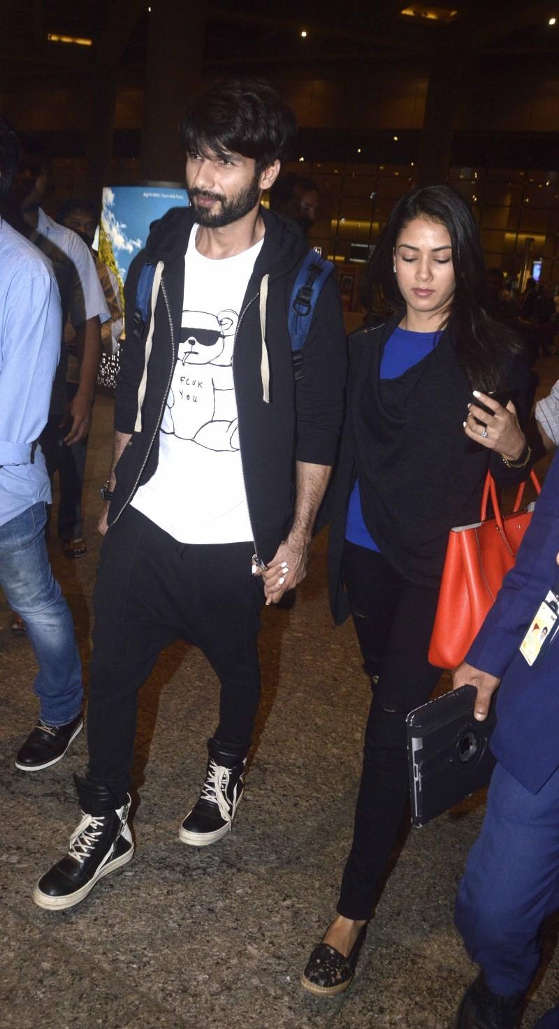 Shahid Kapoor,Shahid Kapoor wife Mira Rajput,Mira Rajput,Shahid Kapoor And Mira Rajput Return From Honeymoon,Shahid Kapoor And Mira Rajput Honeymoon