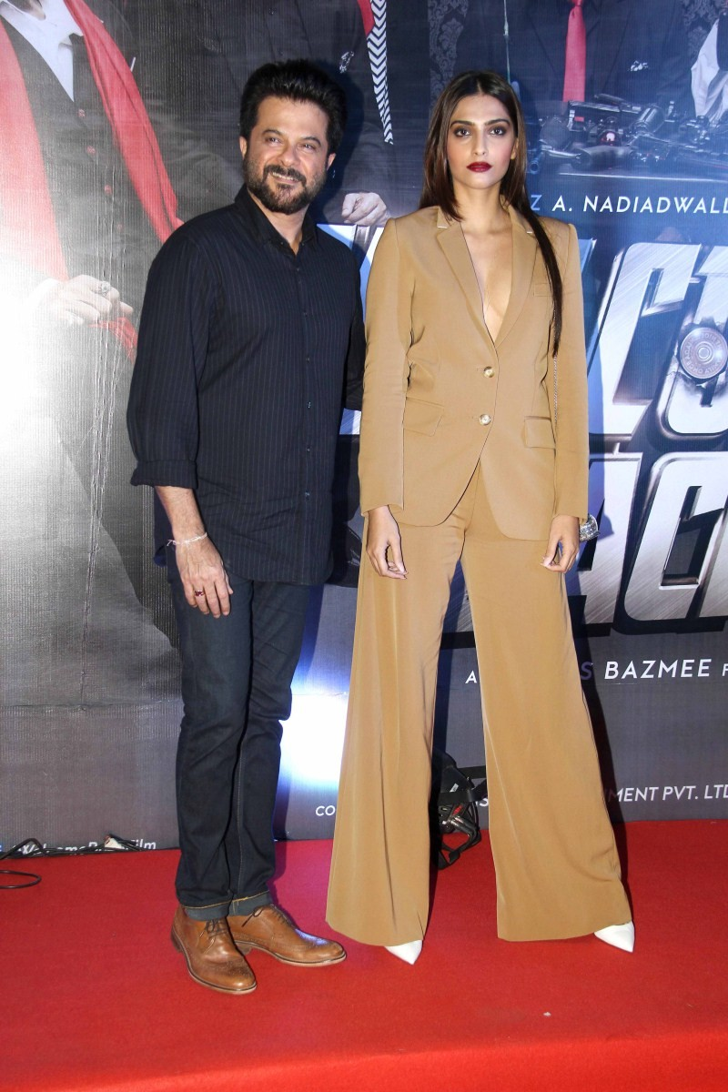 Welcome Back,Welcome Back Premiere Show,celebs at Welcome Back Premiere Show,Sonam Kapoor,actress Sonam Kapoor,Anil Kapoor,actor Anil Kapoor,Welcome Back Premiere Show pics,Welcome Back Premiere Show images,Welcome Back Premiere Show stills,Welcome Back P
