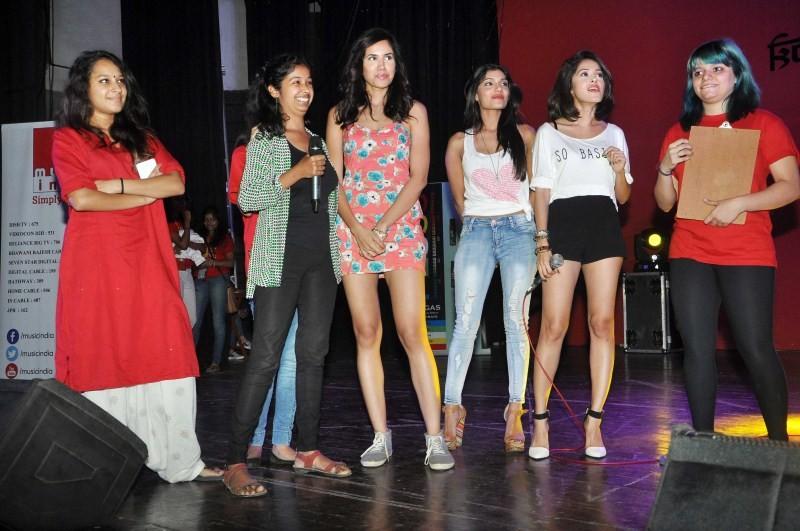 Pyar Ka Punchnama 2,Pyar Ka Punchnama 2 Movie Promotion,Pyar Ka Punchnama 2 Movie Promotion at Sophia Collage,bollywood movie Pyar Ka Punchnama 2