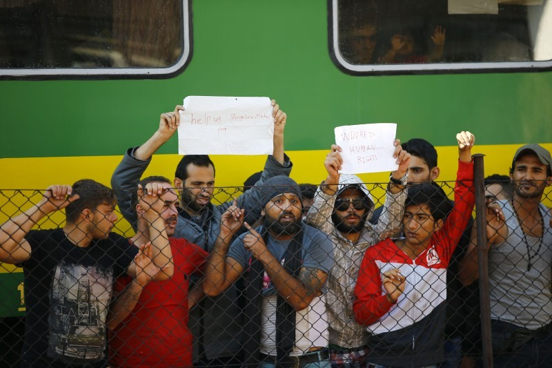Migrant Train,Migrant Train standoff in Hungary,Syrian refugees,refugees,Freedom Train,Hundreds of migrants