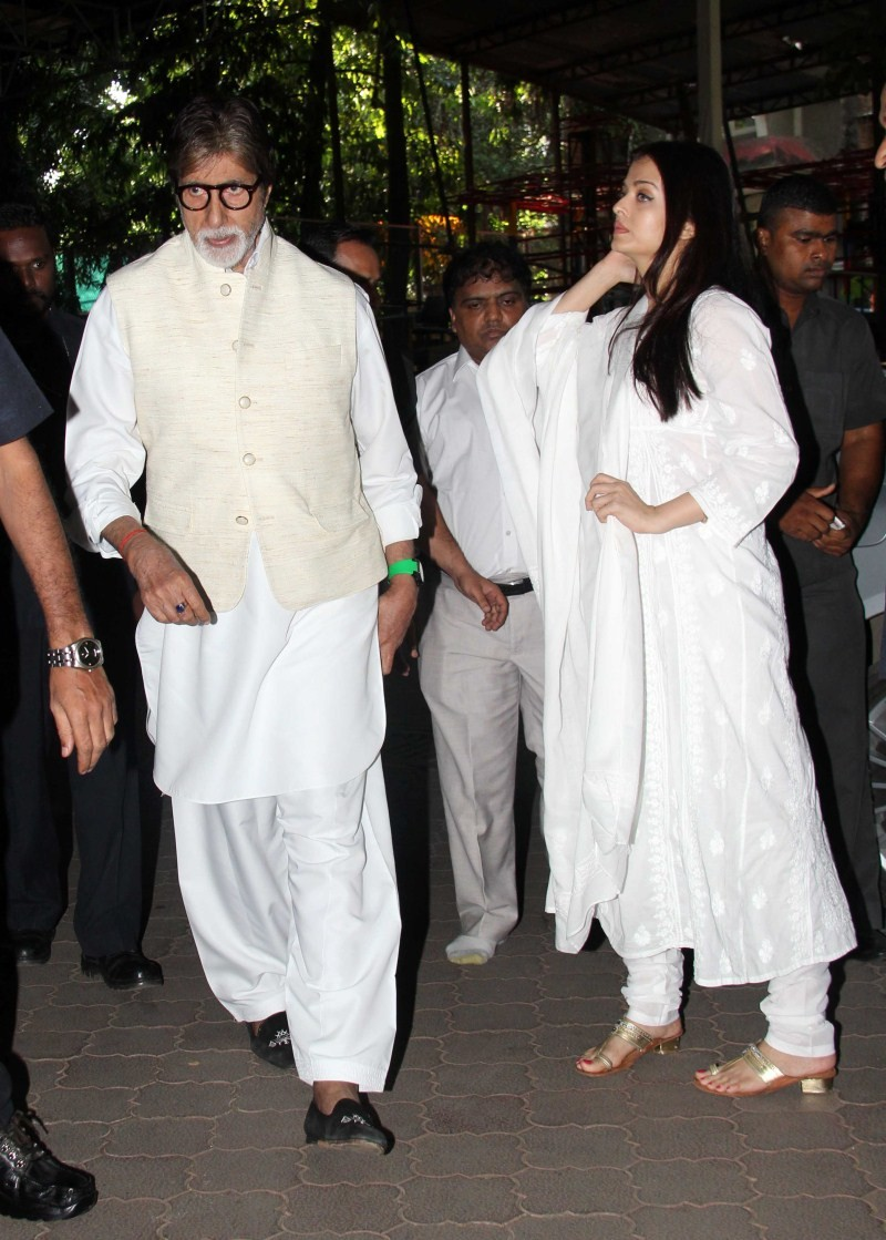 Amitabh Bachchan,Aishwarya Rai,Madhuri Dixit,Juhi Chawla,Aadesh Shrivastav prayer meet,Aadesh Shrivastav,aadesh shrivastava funeral,celebs at Aadesh Shrivastav's prayer meet